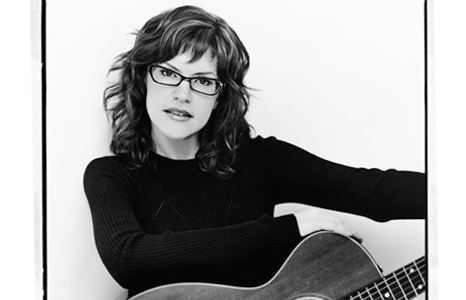 Featured_exhib_performances_lisa_loeb_02