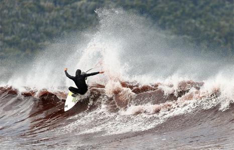 Featured_exhib_surfff_se7ensigns_photoobrien