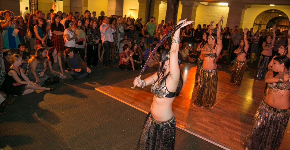 Exhib_slideshow_aad_posh_bellydance_swords_1
