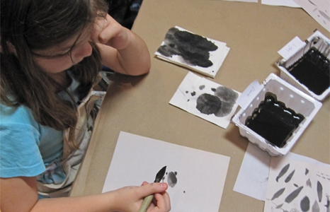 Featured_exhib_featured_exhib_event_expressionsessionkids_junaug14-1