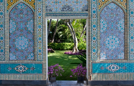 Featured_exhib_exhibition_shangri-la_tile-gate
