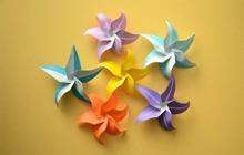 Past_exhib_event_lessmore_origamiflowers