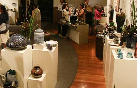 Featured_exhib_art-center-benefit-sale_2011