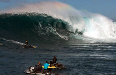 Featured_exhib_chasing_swell